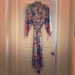 Natori private luxuries Kimono/Robe